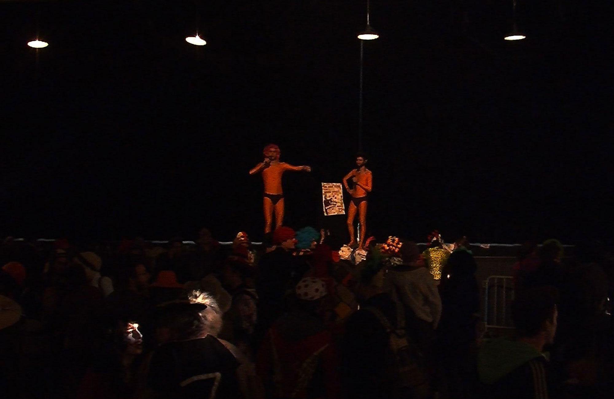Aïtana Design, Caroline Viollier, graphisme, direction artistique, création graphique, design graphique, branding, Biarritz, Paris, studio de création, exposition, maison du peuple, concert, politiciens clown